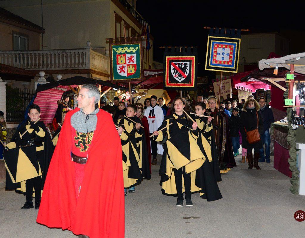Desfile Medieval Al Escenario Del Castillo
