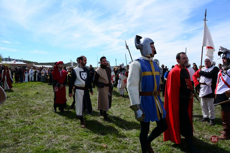 Enrique II hace su entrada en el campo de batalla